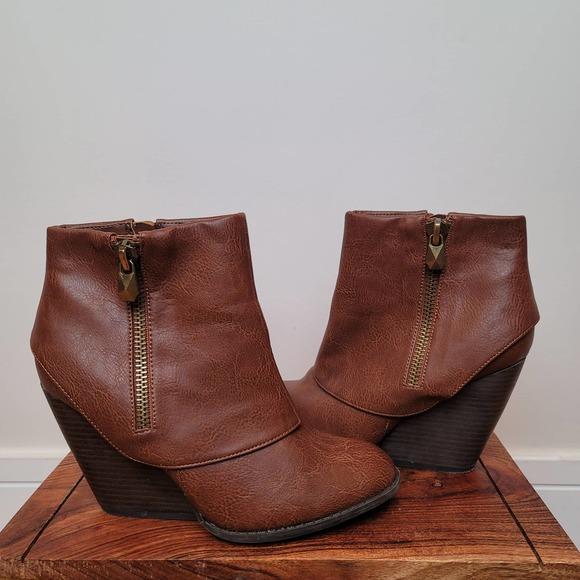 fergalicious cognac ankle boots Size 8